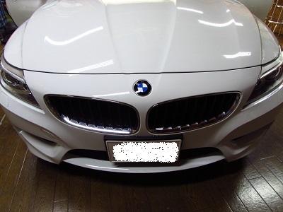 純正モニターがしっくりきます。BMWZ4E89にインターフェース&地デジ&バックカメラ取付。