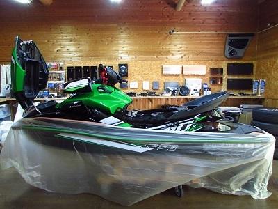 シーズン到来!カワサキジェットスキーウルトラ310LXにオーディオサブ―ファー取付!