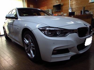 飛び石からレンズを護ろう!!BMW F30 3シリーズのヘッドライトをスモーク化!