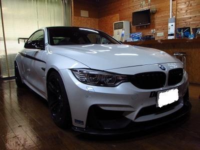 ブラックマスク化!!BMW M4 F82 フロントバンパーラッピング!